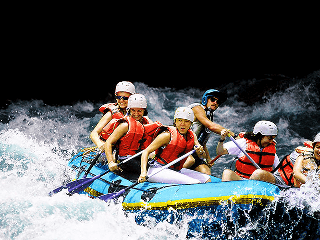 White Water Rafting in Pacuare River